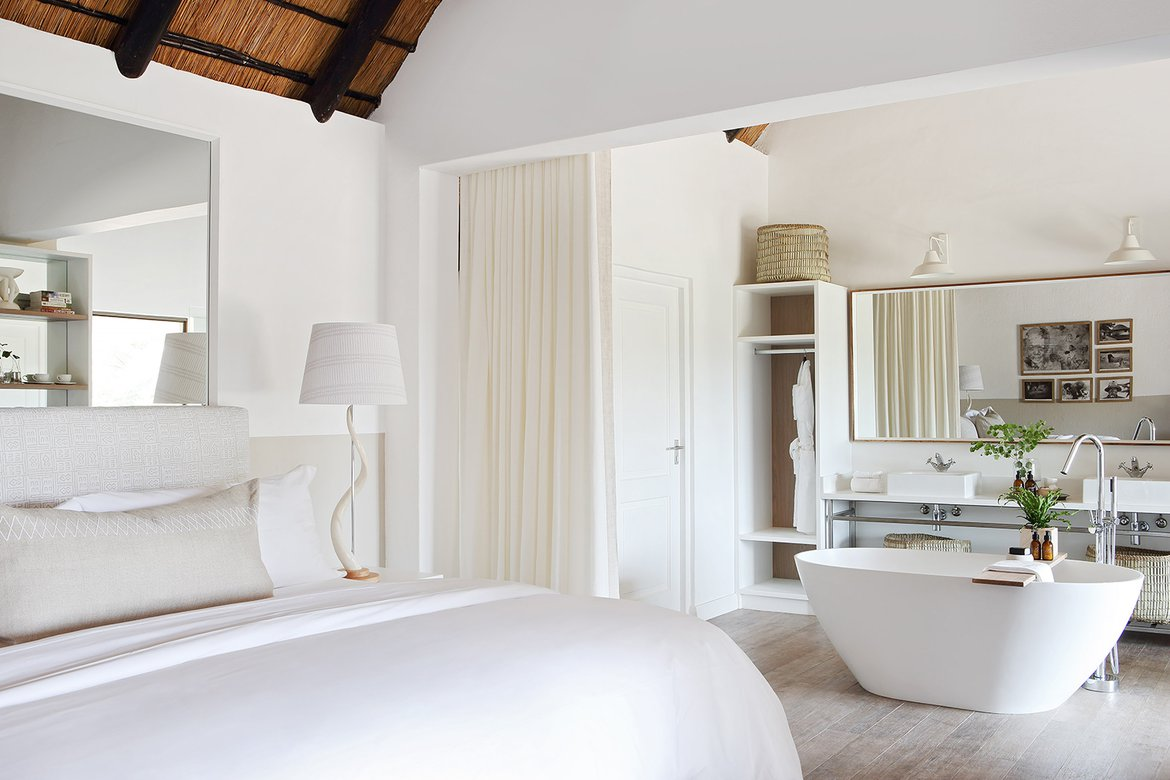 Londolozi varty camp suite 5 bedroom and bathroom