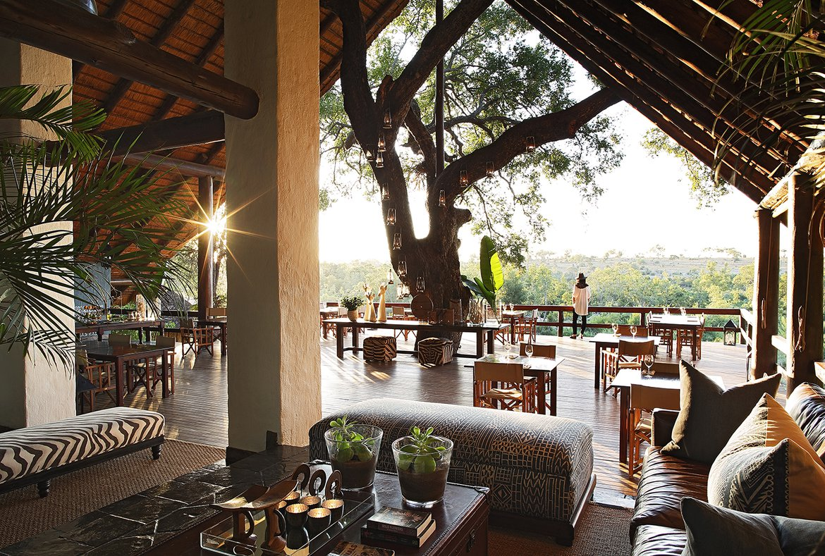 Londolozi varty camp main area deck