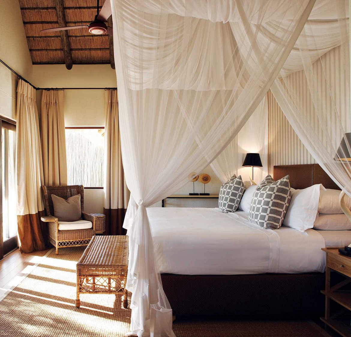 A day bed in Pioneer Camp Londolozi