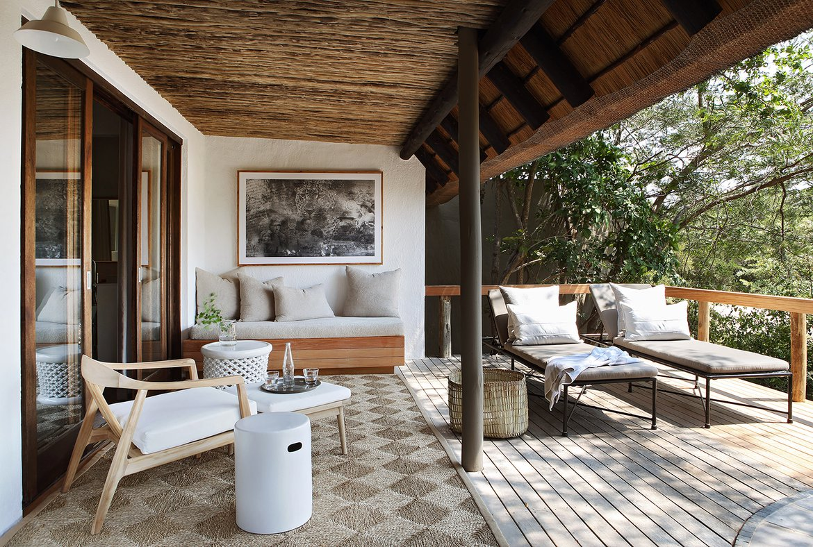Londolozi Varty Camp Suite 3 private outdoor deck